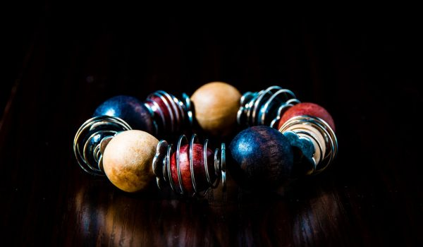 Enhance Your Overall Look With Handmade Jewelry Pieces