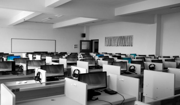 Choosing Between Outbound And Inbound Call Center Services For Your Business